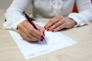 Mit ne írjunk a munkaszerződésbe?